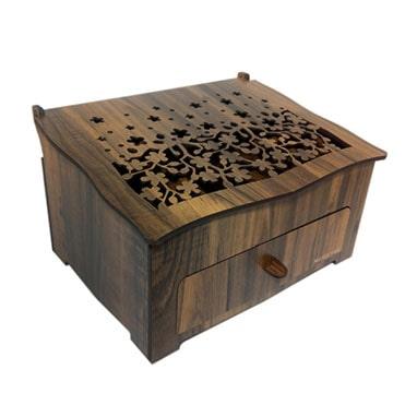 لینک خرید جعبه لوازم آرایش هدیه خانمها در سال 1399