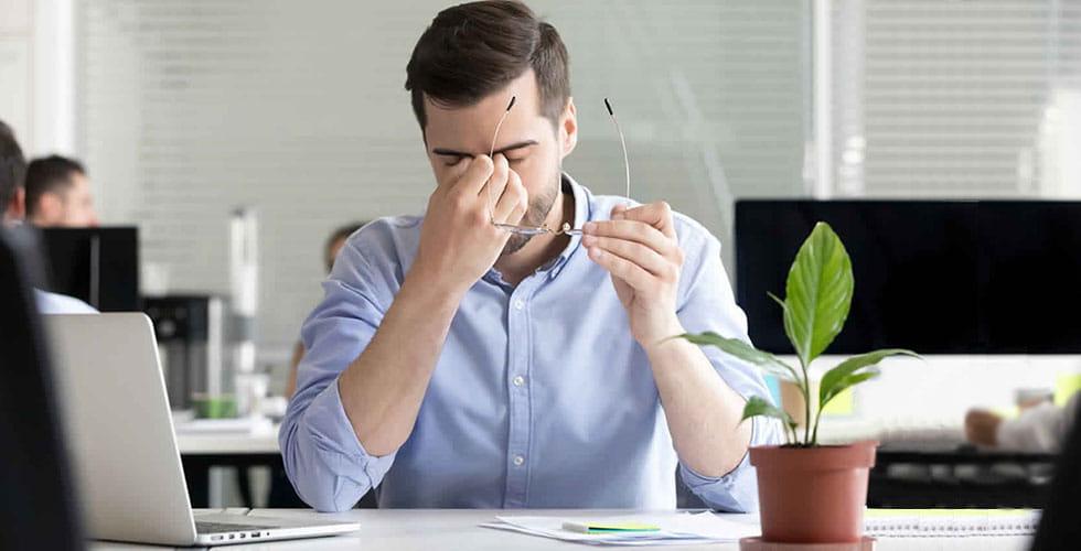 نمایش تصویر شاخص مراقبت از چشم هنگام کار با کامپیوتر گل بچین