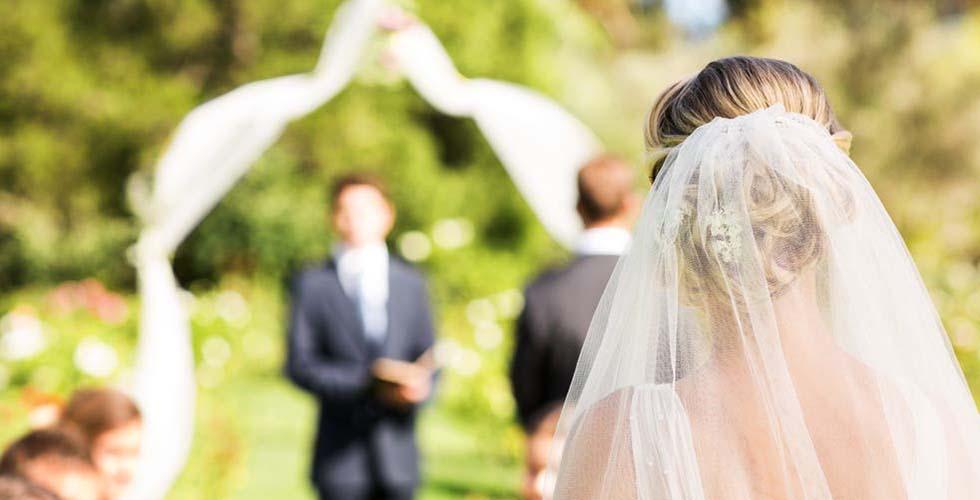 نمایش تصویر شاخص هدیه عروسی برای عروس و داماد گل بچین